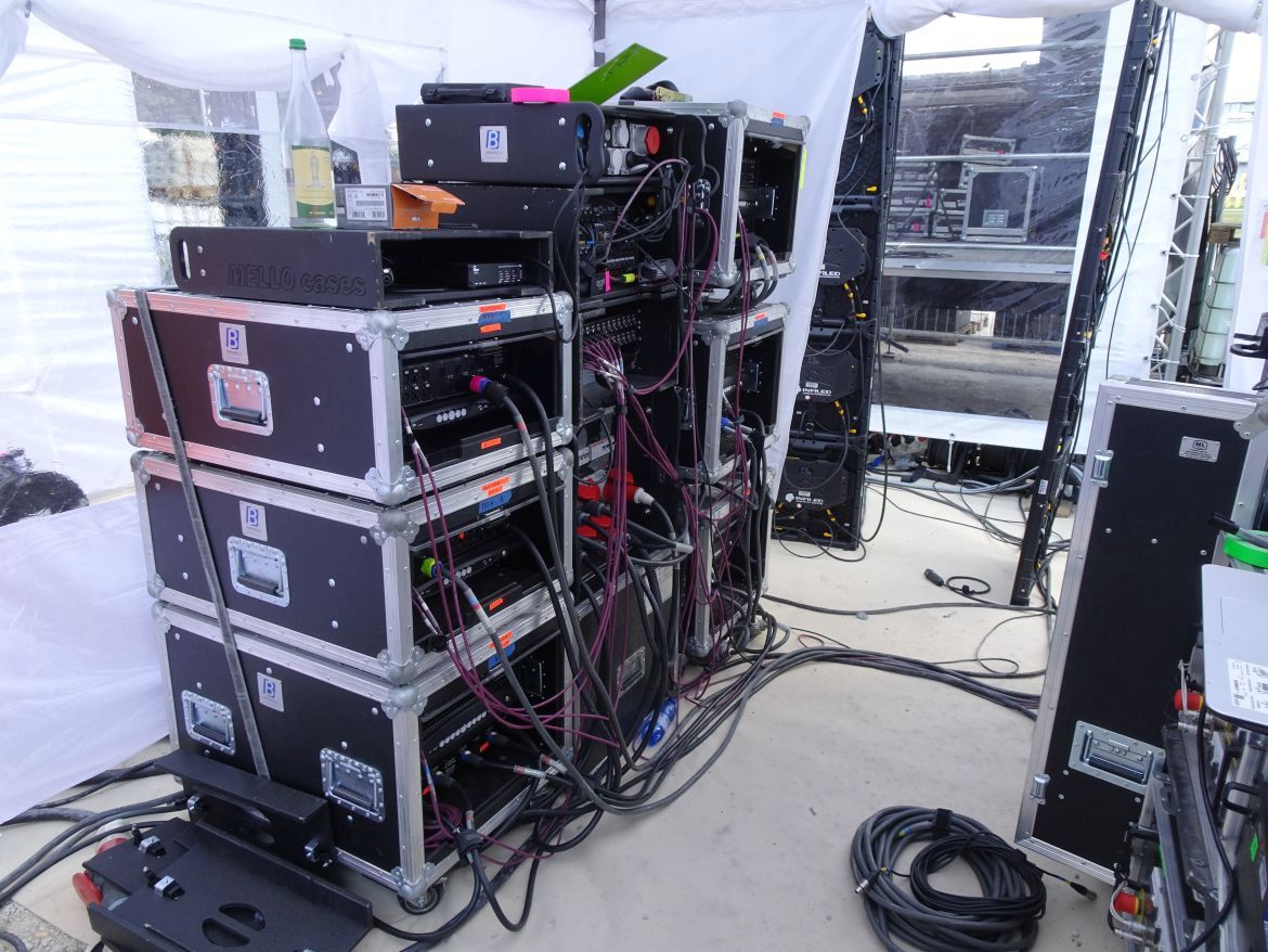 Amp-City mit Powersoft X4 und X8 Touringracks
